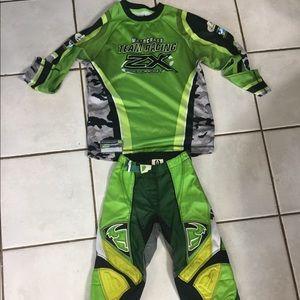 Motor cross suit size 10-12